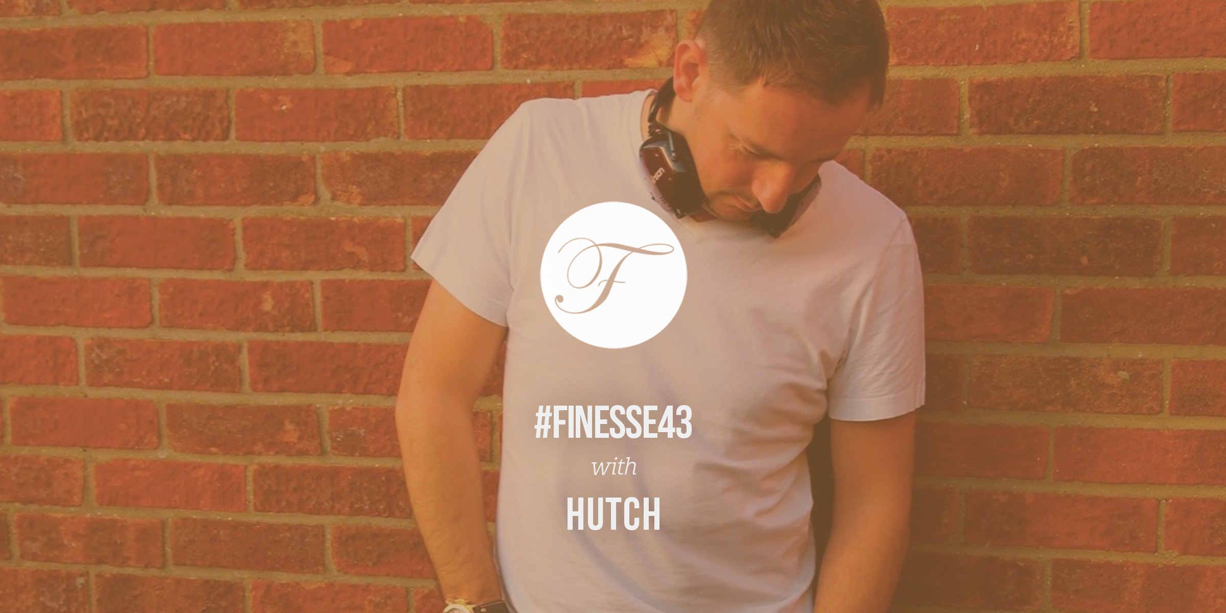 House Finesse 43 with Hutch